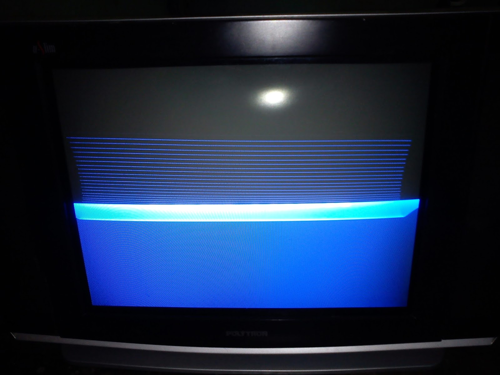 tv tabung gambar melipat dari tengah ke atas